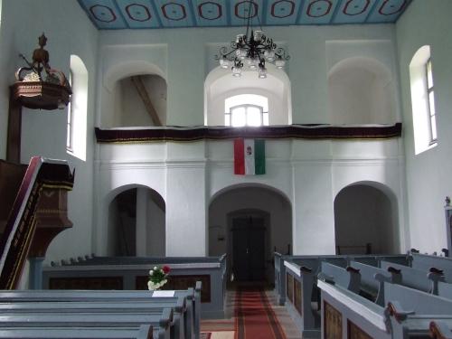 A református templom belsejének fotója